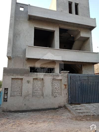 داؤد ریذیڈنسی ہاؤسنگ سکیم ڈیفینس روڈ لاہور میں 4 کمروں کا 6 مرلہ مکان 1.05 کروڑ میں برائے فروخت۔