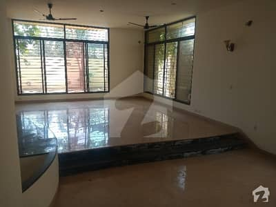 Dha Phase 6 500 Yard Bungalow For Rent