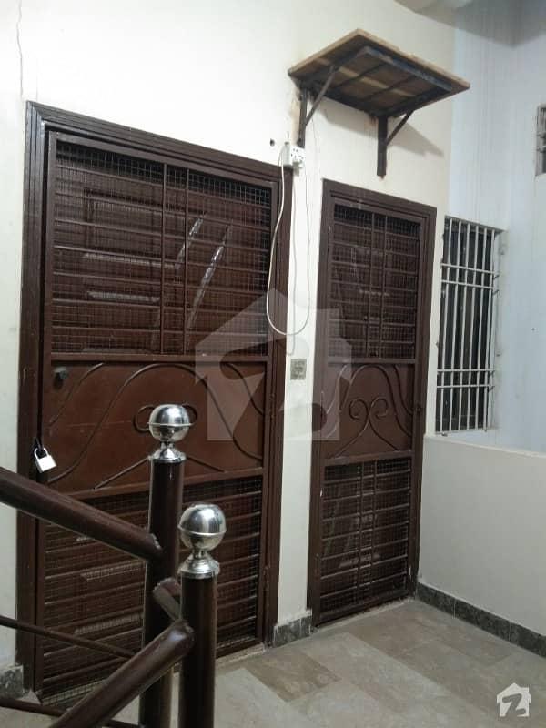 پی آئی بی کالونی کراچی میں 2 کمروں کا 4 مرلہ فلیٹ 90 لاکھ میں برائے فروخت۔