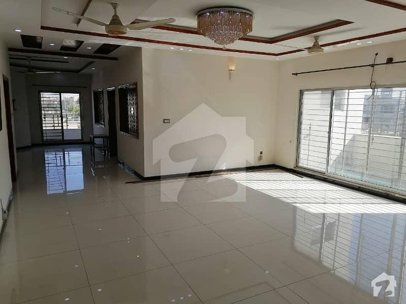 واپڈا ٹاؤن فیز 1 واپڈا ٹاؤن لاہور میں 3 کمروں کا 1 کنال بالائی پورشن 55 ہزار میں کرایہ پر دستیاب ہے۔
