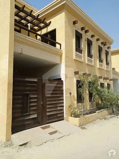 جناح ایونیو کراچی میں 4 کمروں کا 6 مرلہ مکان 2.3 کروڑ میں برائے فروخت۔