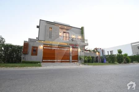 ڈی ایچ اے فیز 8 - زون اے ڈی ایچ اے فیز 8 ڈی ایچ اے ڈیفینس کراچی میں 5 کمروں کا 1 کنال مکان 15.5 کروڑ میں برائے فروخت۔