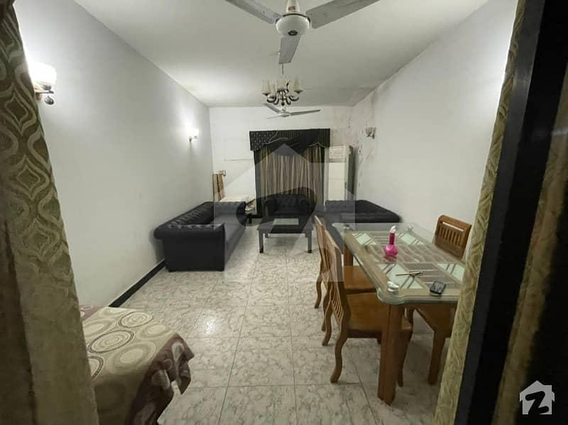 کلفٹن ۔ بلاک 2 کلفٹن کراچی میں 3 کمروں کا 14 مرلہ پینٹ ہاؤس 2.79 کروڑ میں برائے فروخت۔