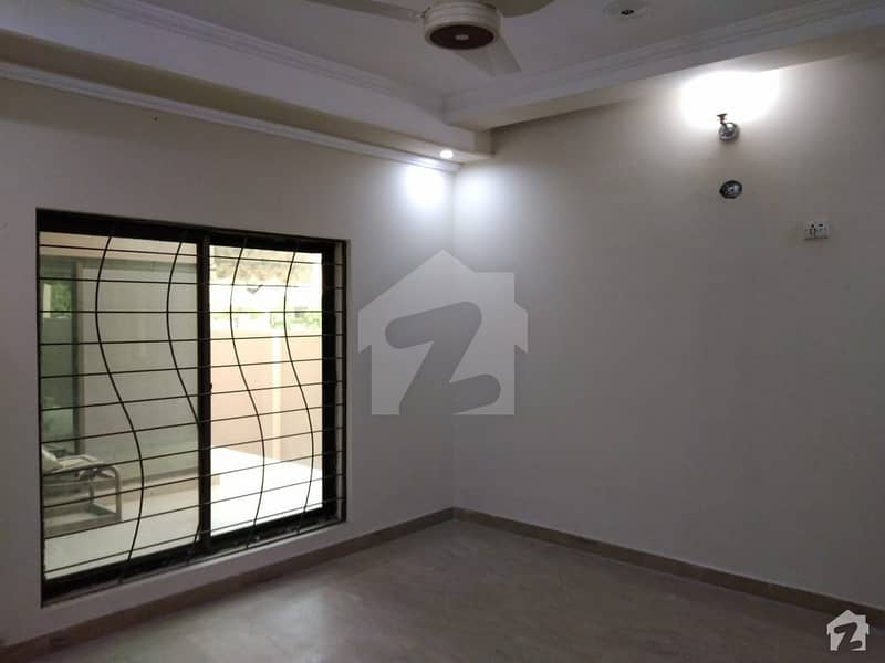 1 Kanal House Up For Sale In Punjab Coop Housing Society