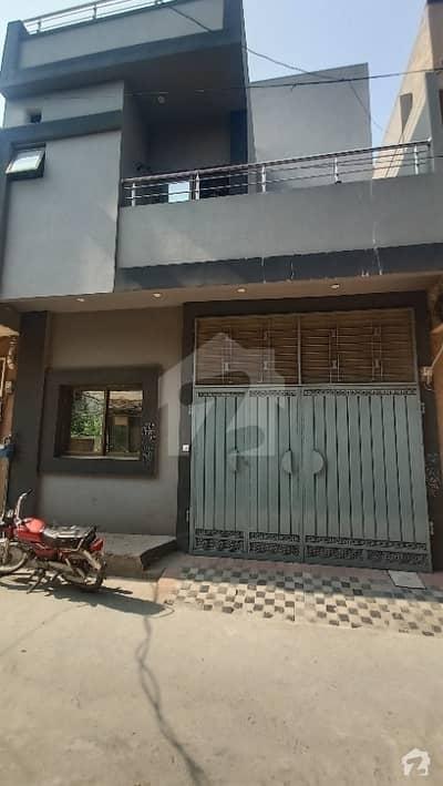 تاج باغ سکیم لاہور میں 3 کمروں کا 4 مرلہ مکان 32 ہزار میں کرایہ پر دستیاب ہے۔