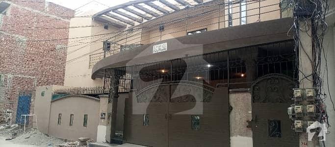 تاج باغ سکیم لاہور میں 6 کمروں کا 12 مرلہ مکان 90 ہزار میں کرایہ پر دستیاب ہے۔