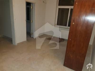 ایف ۔ 11/2 ایف ۔ 11 اسلام آباد میں 7 کمروں کا 1.11 کنال مکان 11.5 کروڑ میں برائے فروخت۔