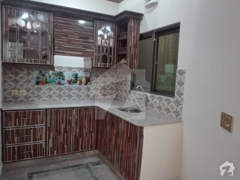 داؤد ریذیڈنسی ہاؤسنگ سکیم ڈیفینس روڈ لاہور میں 3 کمروں کا 3 مرلہ مکان 83 لاکھ میں برائے فروخت۔
