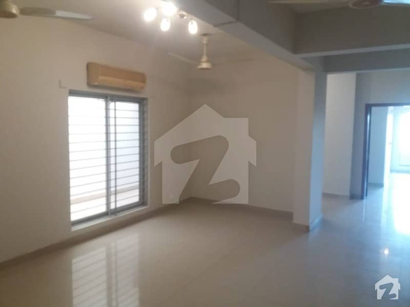 Islamabad F-11 3 Bedroom Flat For Rent