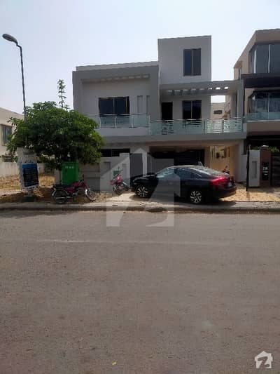 2700  Square Feet House In Bahria Town - Takbeer Block For Rent At Good Location