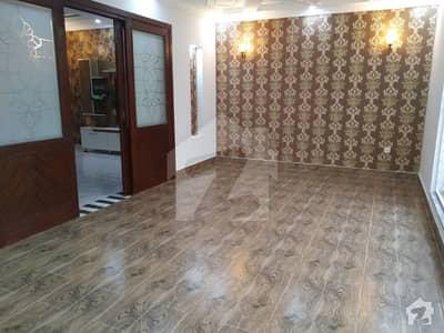 نشیمنِ اقبال فیز 2 نشیمنِ اقبال لاہور میں 5 کمروں کا 10 مرلہ مکان 2.2 کروڑ میں برائے فروخت۔