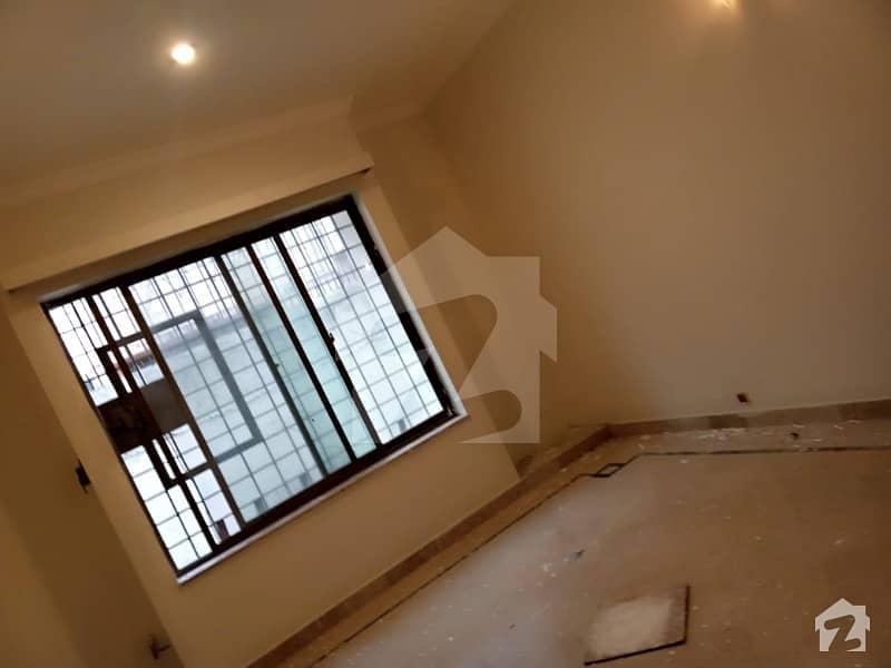 ایف ۔ 11/3 ایف ۔ 11 اسلام آباد میں 6 کمروں کا 1 کنال مکان 9.5 کروڑ میں برائے فروخت۔