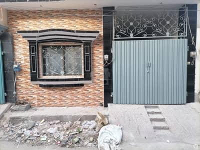 جوہر کالونی فیصل آباد میں 3 مرلہ مکان 60 لاکھ میں برائے فروخت۔