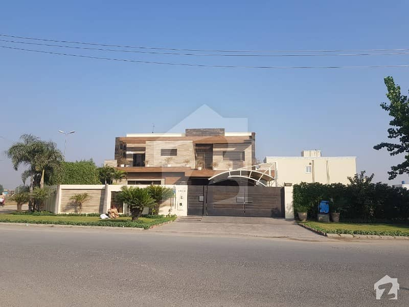 07 Kanal Luxurious Farm House Bedian Road