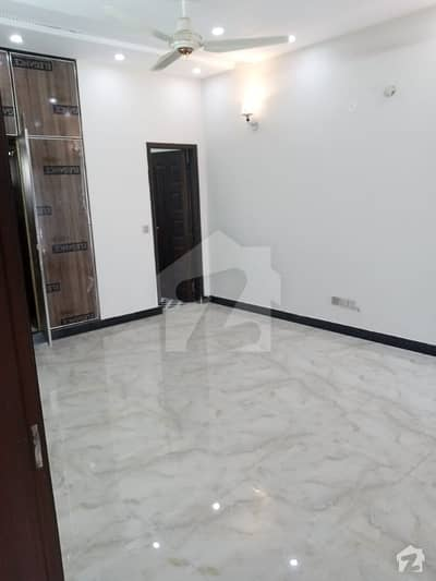 10 Marla Beautiful Upper Portion Available For Rent On Hot Location