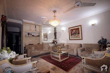 رحمان گارڈنز لاہور میں 3 کمروں کا 6 مرلہ فلیٹ 95 لاکھ میں برائے فروخت۔