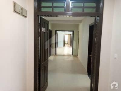 عسکری 10 - سیکٹر ایف عسکری 10 عسکری لاہور میں 4 کمروں کا 13 مرلہ فلیٹ 3.1 کروڑ میں برائے فروخت۔