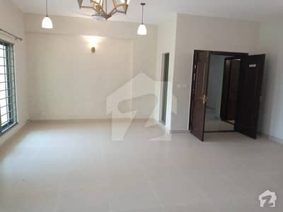 13 Marla 4 Beds Brand New Facing Park Flat For Sale