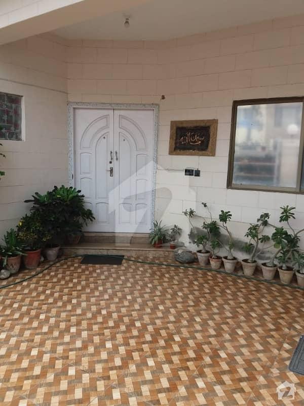 500 Sq Yd, Good Location 2 Unit Bungalow For Sale On 26th Street Near Kh-e-shamsheer