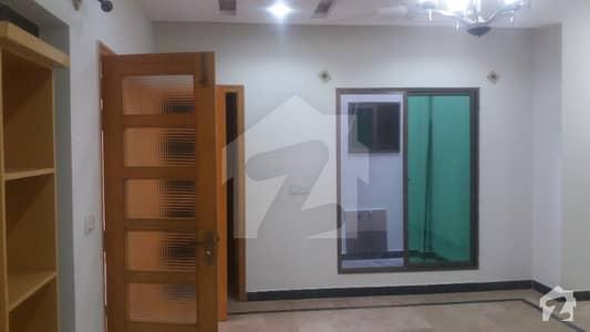 جموں اینڈ کشمیر ہاؤسنگ سوسائٹی جی ۔ 15 اسلام آباد میں 5 کمروں کا 8 مرلہ مکان 68 ہزار میں کرایہ پر دستیاب ہے۔