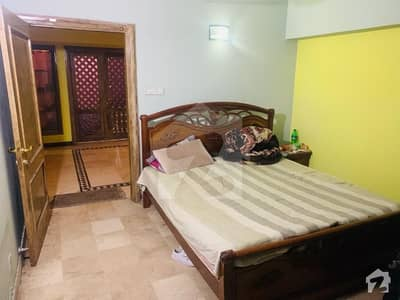 ایف ۔ 10/3 ایف ۔ 10 اسلام آباد میں 5 کمروں کا 112.5 کنال فلیٹ 2.1 کروڑ میں برائے فروخت۔