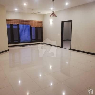 ڈی ایچ اے فیز 7 ڈی ایچ اے کراچی میں 4 کمروں کا 10 مرلہ مکان 5.5 کروڑ میں برائے فروخت۔