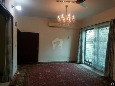 Highly-Desirable 10 Marla House Available In Punjab Govt Employees Society