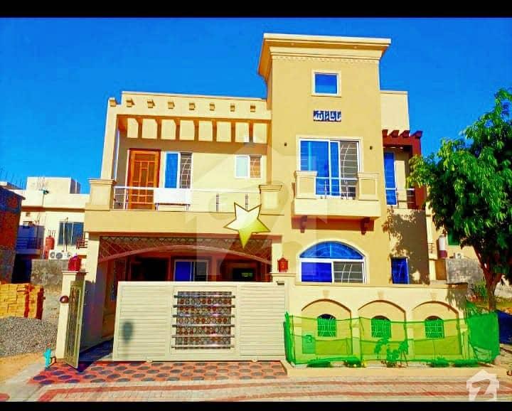 بحریہ ٹاؤن فیز 8 ۔ سفاری ویلی بحریہ ٹاؤن فیز 8 بحریہ ٹاؤن راولپنڈی راولپنڈی میں 5 کمروں کا 7 مرلہ مکان 1.85 کروڑ میں برائے فروخت۔
