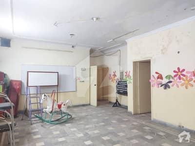 جوہر ٹاؤن فیز 1 جوہر ٹاؤن لاہور میں 6 کمروں کا 12 مرلہ عمارت 3.75 کروڑ میں برائے فروخت۔