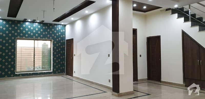 لیک سٹی - سیکٹر M7 - بلاک بی لیک سٹی ۔ سیکٹرایم ۔ 7 لیک سٹی رائیونڈ روڈ لاہور میں 7 مرلہ مکان 1.95 کروڑ میں برائے فروخت۔