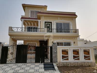 سینٹرل پارک ہاؤسنگ سکیم لاہور میں 5 کمروں کا 10 مرلہ مکان 2.2 کروڑ میں برائے فروخت۔
