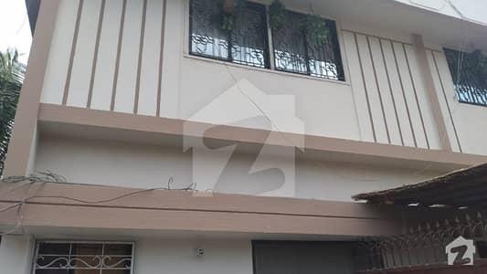 اَپر غزری غِزری کراچی میں 3 کمروں کا 1 کنال زیریں پورشن 3 کروڑ میں برائے فروخت۔