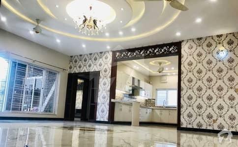 بحریہ ٹاؤن فیز 8 بحریہ ٹاؤن راولپنڈی راولپنڈی میں 5 کمروں کا 10 مرلہ مکان 80 ہزار میں کرایہ پر دستیاب ہے۔