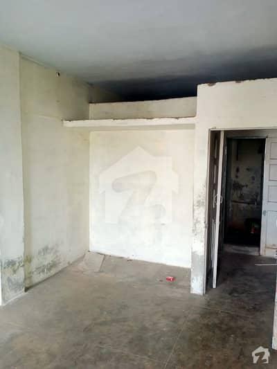 فیڈرل بی ایریا ۔ بلاک 16 فیڈرل بی ایریا کراچی میں 4 کمروں کا 7 مرلہ فلیٹ 66 لاکھ میں برائے فروخت۔