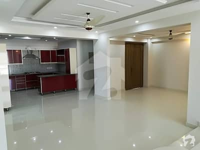 4 Bedrooms 2700 Sqft Semi Furnished Luxury Apartment For Sale In E-11