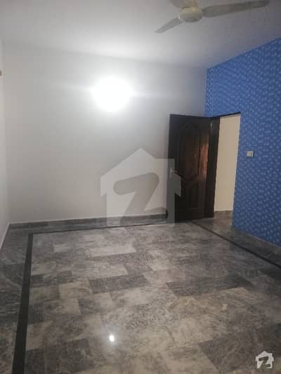 گارڈن ٹاؤن لاہور میں 3 کمروں کا 1.5 کنال مکان 1.4 لاکھ میں کرایہ پر دستیاب ہے۔