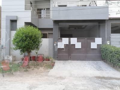 حسن ولاز فیصل آباد میں 6 مرلہ مکان 1.15 کروڑ میں برائے فروخت۔