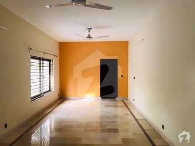 ایف ۔ 10/3 ایف ۔ 10 اسلام آباد میں 8 کمروں کا 1.47 کنال مکان 13.5 کروڑ میں برائے فروخت۔