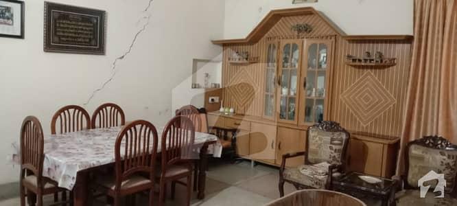 امین ٹاؤن فیصل آباد میں 4 کمروں کا 11 مرلہ مکان 1.55 کروڑ میں برائے فروخت۔