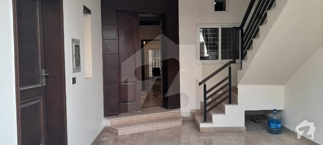 6 Marla Full Unit House Available For Rent