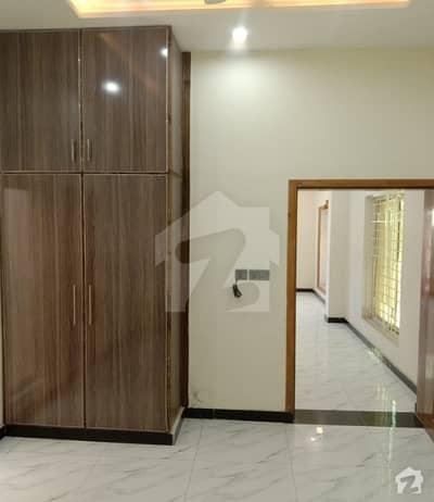 پاک عرب ہاؤسنگ سوسائٹی فیز 1 پاک عرب ہاؤسنگ سوسائٹی لاہور میں 3 کمروں کا 10 مرلہ زیریں پورشن 42 ہزار میں کرایہ پر دستیاب ہے۔
