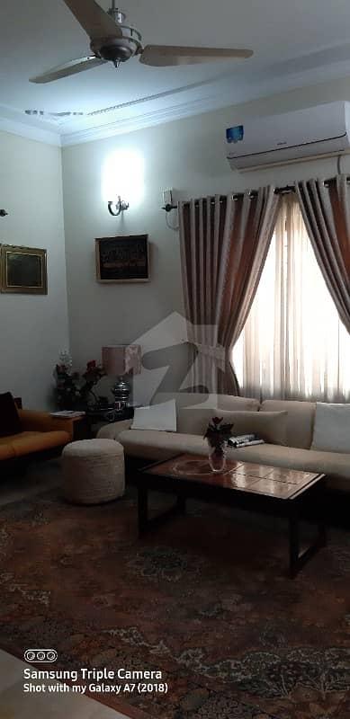 ایف ۔ 11/3 ایف ۔ 11 اسلام آباد میں 7 کمروں کا 1 کنال مکان 8.95 کروڑ میں برائے فروخت۔