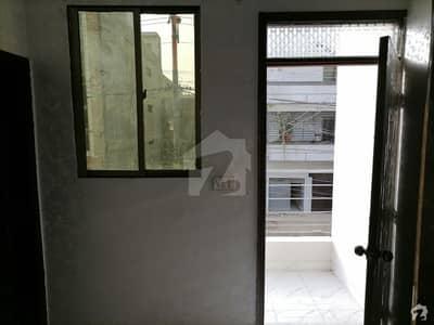 نارتھ ناظم آباد ۔ بلاک ایچ نارتھ ناظم آباد کراچی میں 3 کمروں کا 9 مرلہ بالائی پورشن 50 ہزار میں کرایہ پر دستیاب ہے۔
