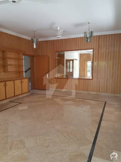 1 Kanal House With Basement For Sale In E-11.