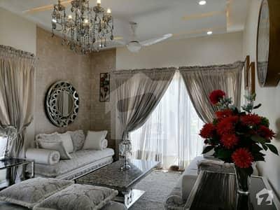 Brand New Villa 30x60 Corner 8 Marla Urgent For Sale