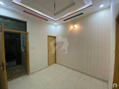 گلشنِ راوی لاہور میں 5 کمروں کا 10 مرلہ مکان 80 ہزار میں کرایہ پر دستیاب ہے۔