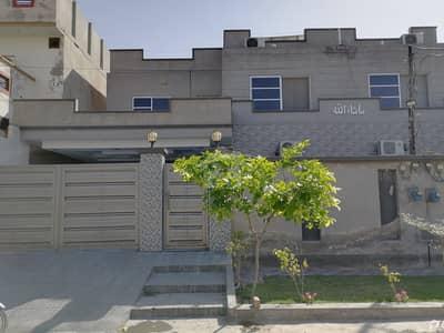 سہگل سٹی سمندری روڈ فیصل آباد میں 13 مرلہ مکان 1.6 کروڑ میں برائے فروخت۔