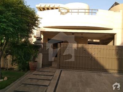 عسکری 10 - سیکٹر سی عسکری 10 عسکری لاہور میں 5 کمروں کا 1 کنال مکان 5.5 کروڑ میں برائے فروخت۔