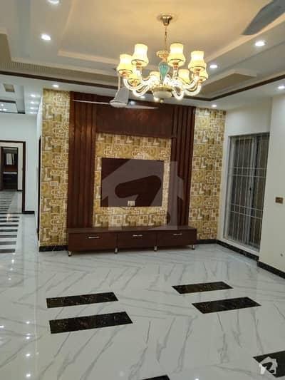 ائیر لائن ہاؤسنگ سوسائٹی لاہور میں 12 کمروں کا 1 کنال مکان 2.5 لاکھ میں کرایہ پر دستیاب ہے۔