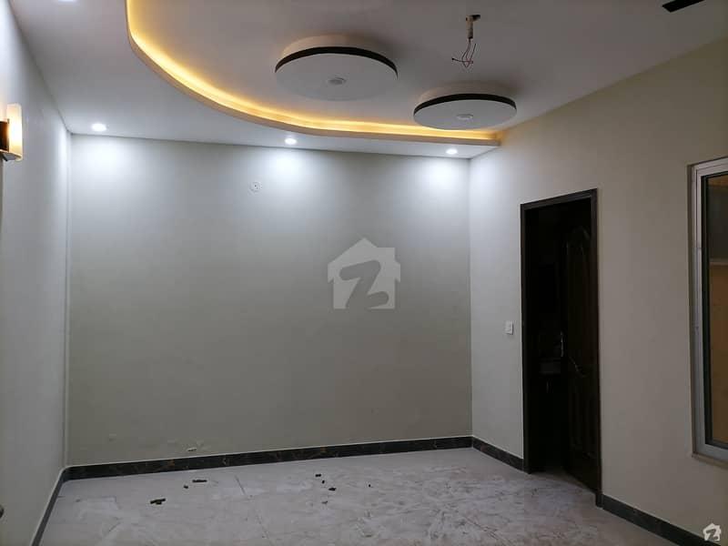کینال بینک ہاؤسنگ سکیم لاہور میں 6 مرلہ مکان 1.65 کروڑ میں برائے فروخت۔